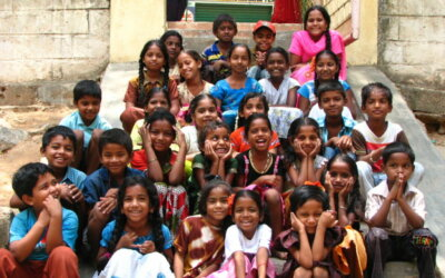 #8 Souvenir : En Inde, cinq pinceaux, soixante élèves et des sourires radieux